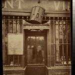 Au Tambour, 63 quai de la Tournelle (5e arr) - Atget