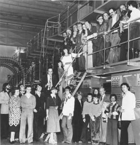 Les invités du festival de SF visitent l'imprimerie du Républicain Lorrain. Saurez-vous les identifier ? (Photographie tirée du RL du 24 septembre 1977, reprise sur le site www.dickien.fr, site de référence sur Philip. K. Dick)